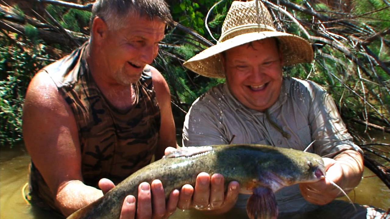 Andy Richter Nude andy goes hillbilly handfishin' | conan classic
